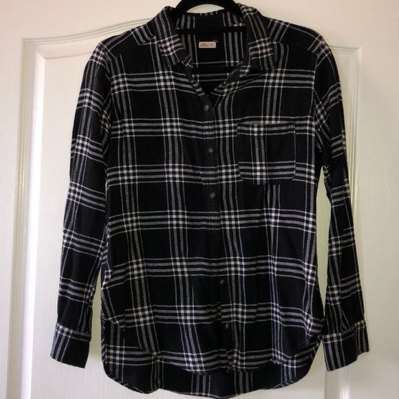 Hollister Tops - Hollister Plaid Button Down Long Sleeve Shirt